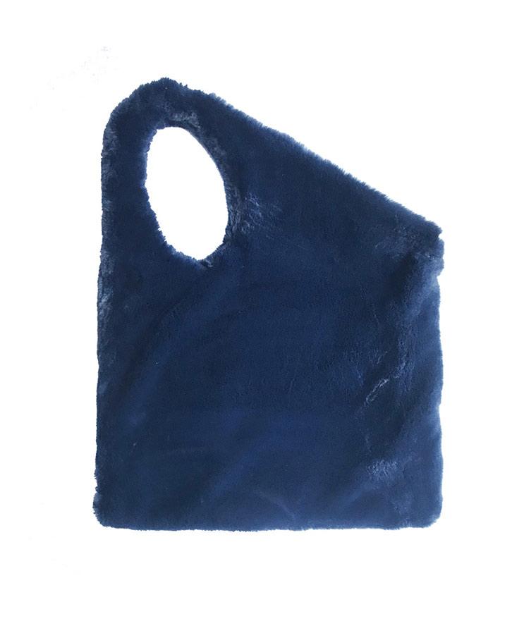 pelo-blu